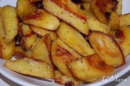 Cartofi cu rozmarin, la cuptor