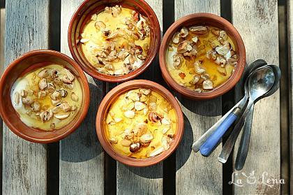 Iaurt cu miere si nuci - desert grecesc