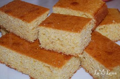 Chec cu malai (Cornmeal Bread)