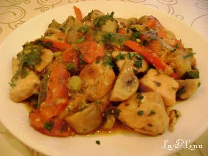 Piept de pui cu legume