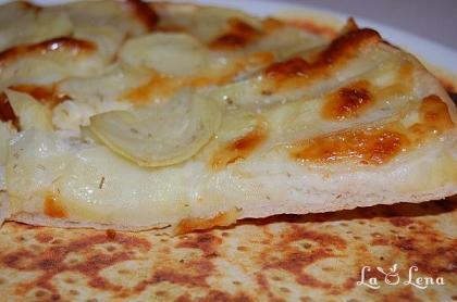 Pizza Bianca (sau pizza cu cartofi)