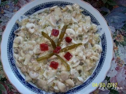 Salata de ciuperci cu pui si maioneza