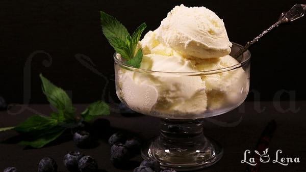 Inghetata de vanilie din 2 ingrediente
