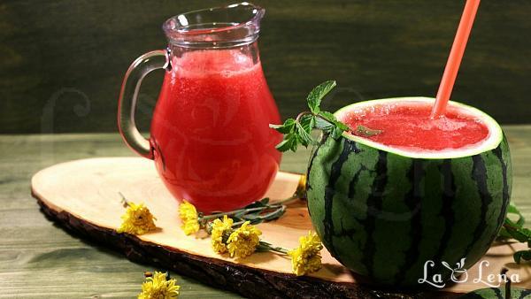 Limonada de pepene rosu