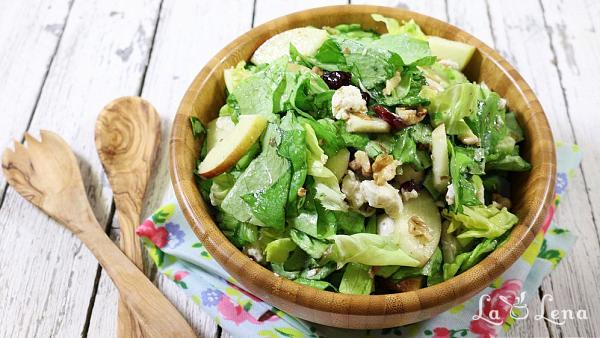 Salata verde cu mere si nuci