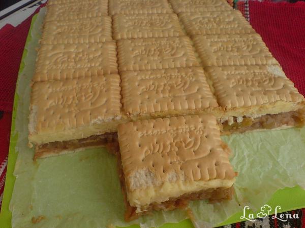 Prajitura cu biscuiti si budinca si mere