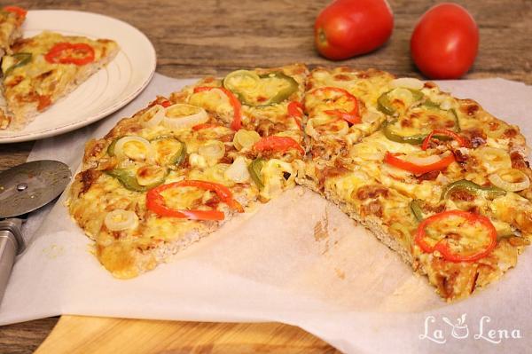 Pizza cu blat de carne tocata - Meatza