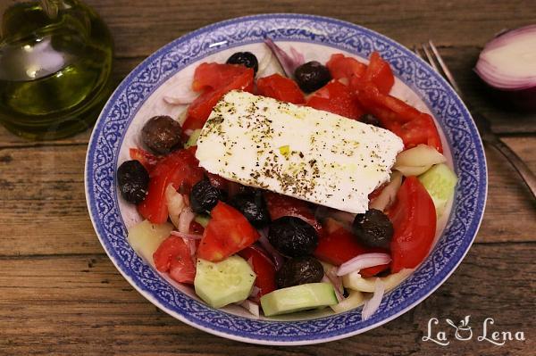 Salata Greceasca traditionala - Horiatiki
