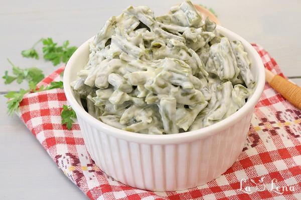 Salata de fasole verde cu maioneza si usturoi