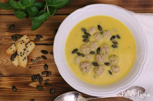 Supa-crema de dovleac cu chiftelute