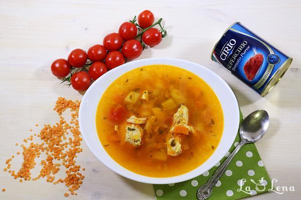 Supa de pui cu linte si rosii