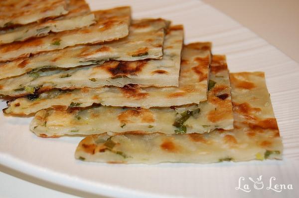 Turte cu ceapa verde (Scallion Pancakes)