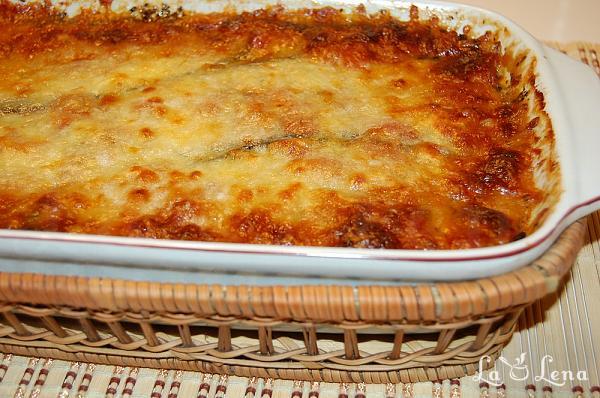Vinete gratinate cu sos de rosii si cascaval (Melanzane alla Parmigiana)