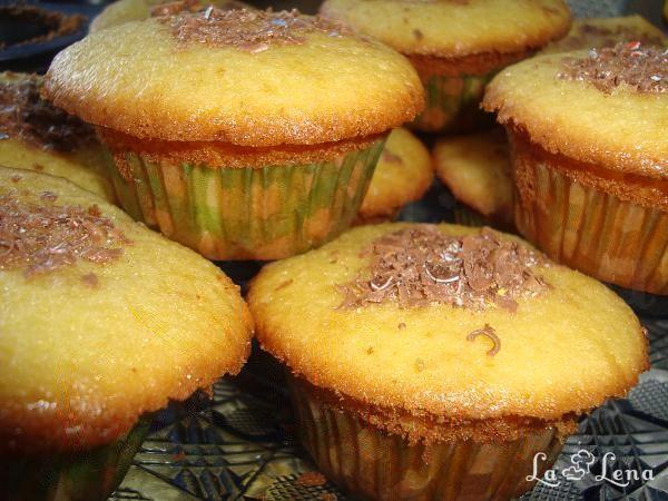 Brioșe cu vanilie (Vanilla Cupcakes)