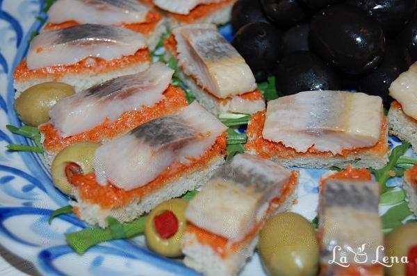 Kanape-uri rusesti cu hering marinat