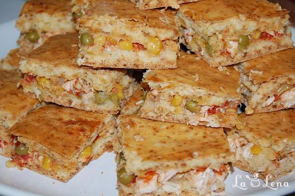 Placinta cu carne de pui, porumb si mazare (braziliana)