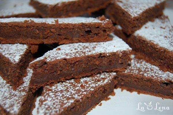 Triunghiuri cu ciocolata si iaurt